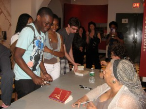 My students speaking to Toni Morrison (photo by Ileana Jiménez).